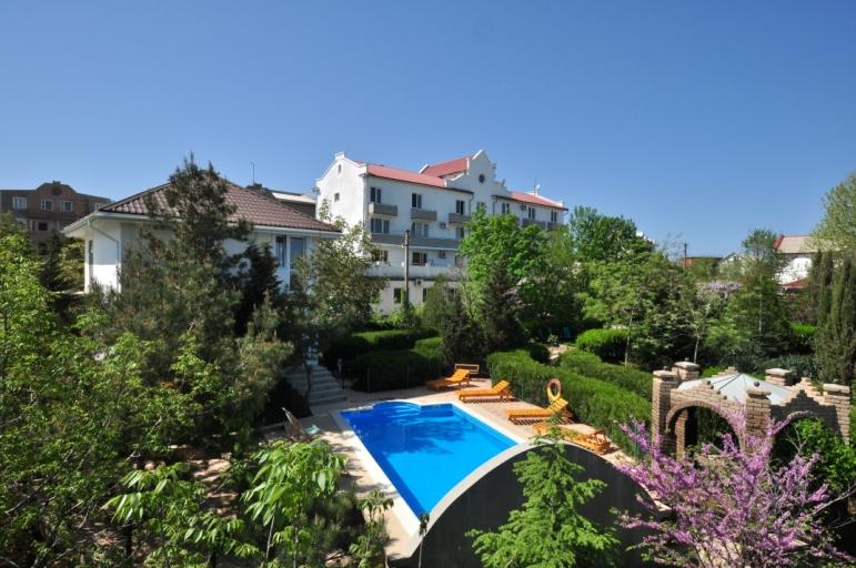 Отдых в Крыму в мае в гостевом доме Афалина